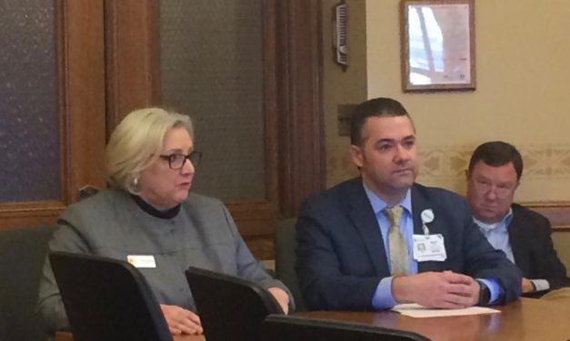 Senate committee green lights opioid, dental hygienist bills