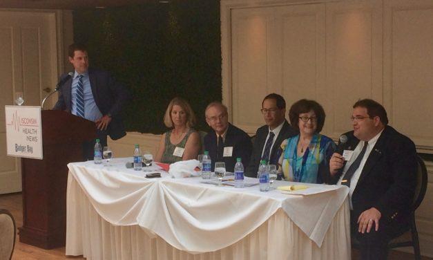 Panel debates impact of e-cigarette flavors